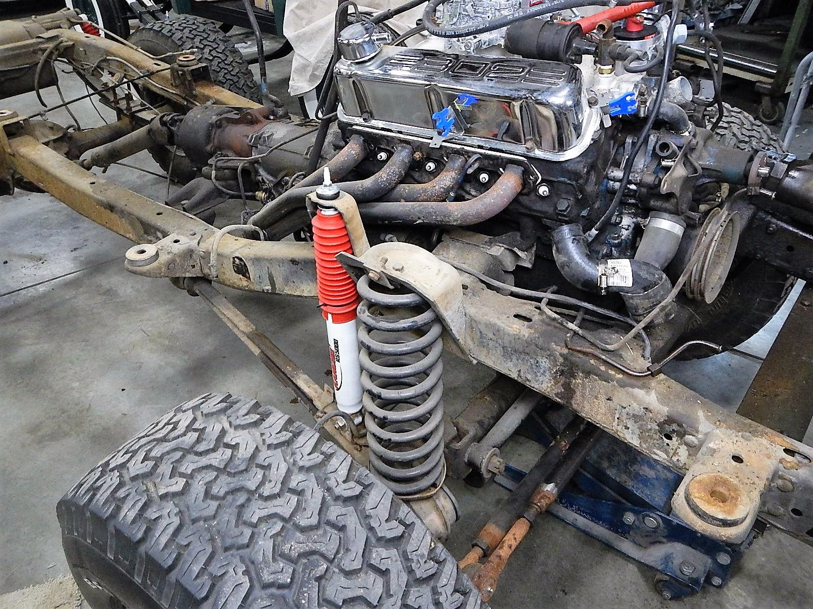1972 Bronco restoration dis assembly 070.jpg