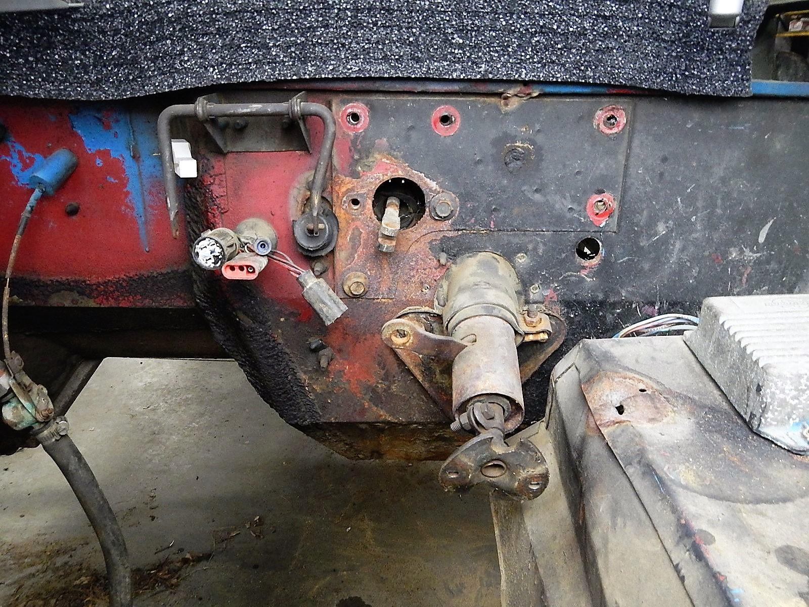 1972 Bronco restoration dis assembly 076.jpg