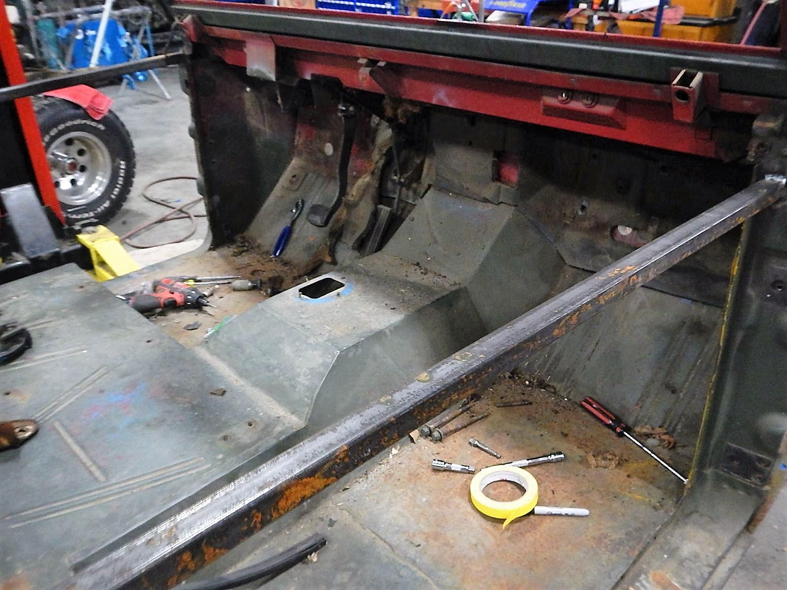 1972 Bronco restoration dis assembly 099.jpg