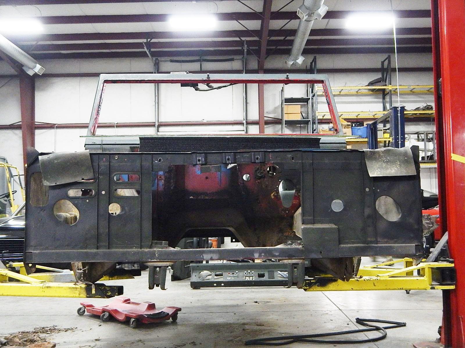 1972 Bronco restoration dis assembly 105.jpg