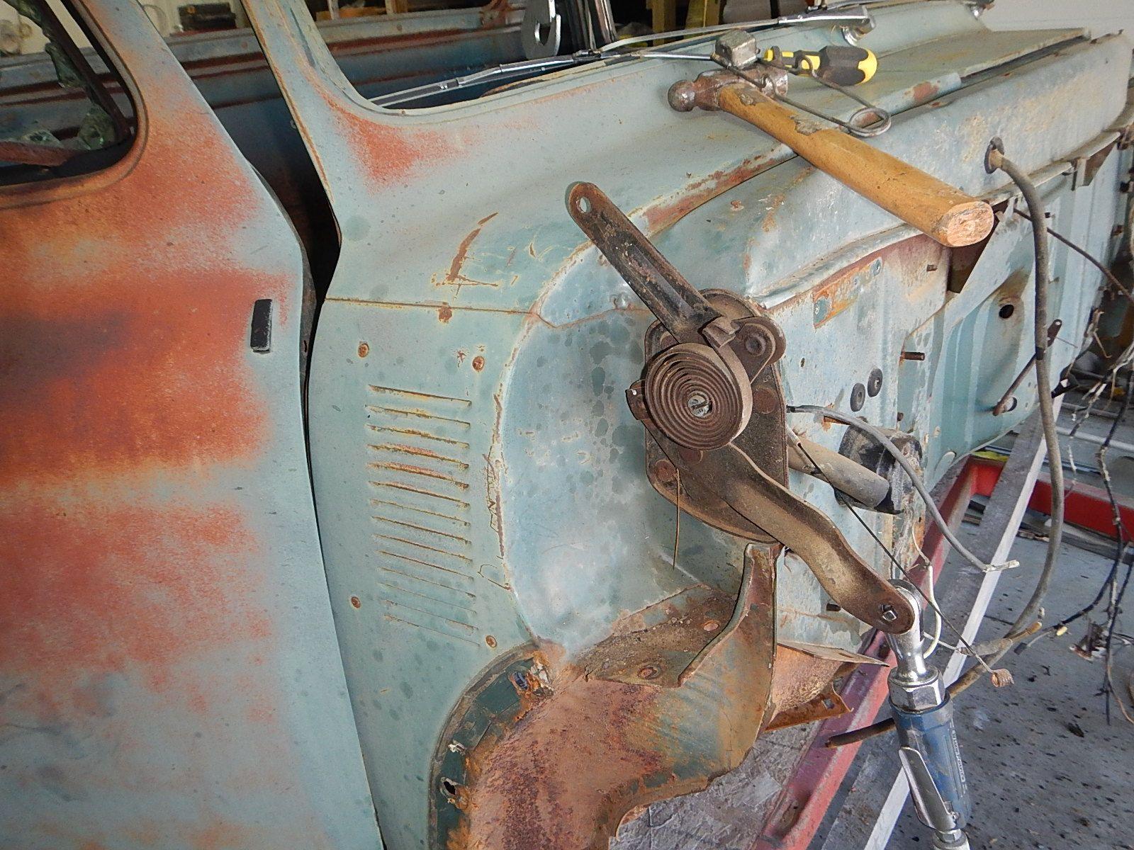 1953 Ford F-100 Restomod body  027.jpg