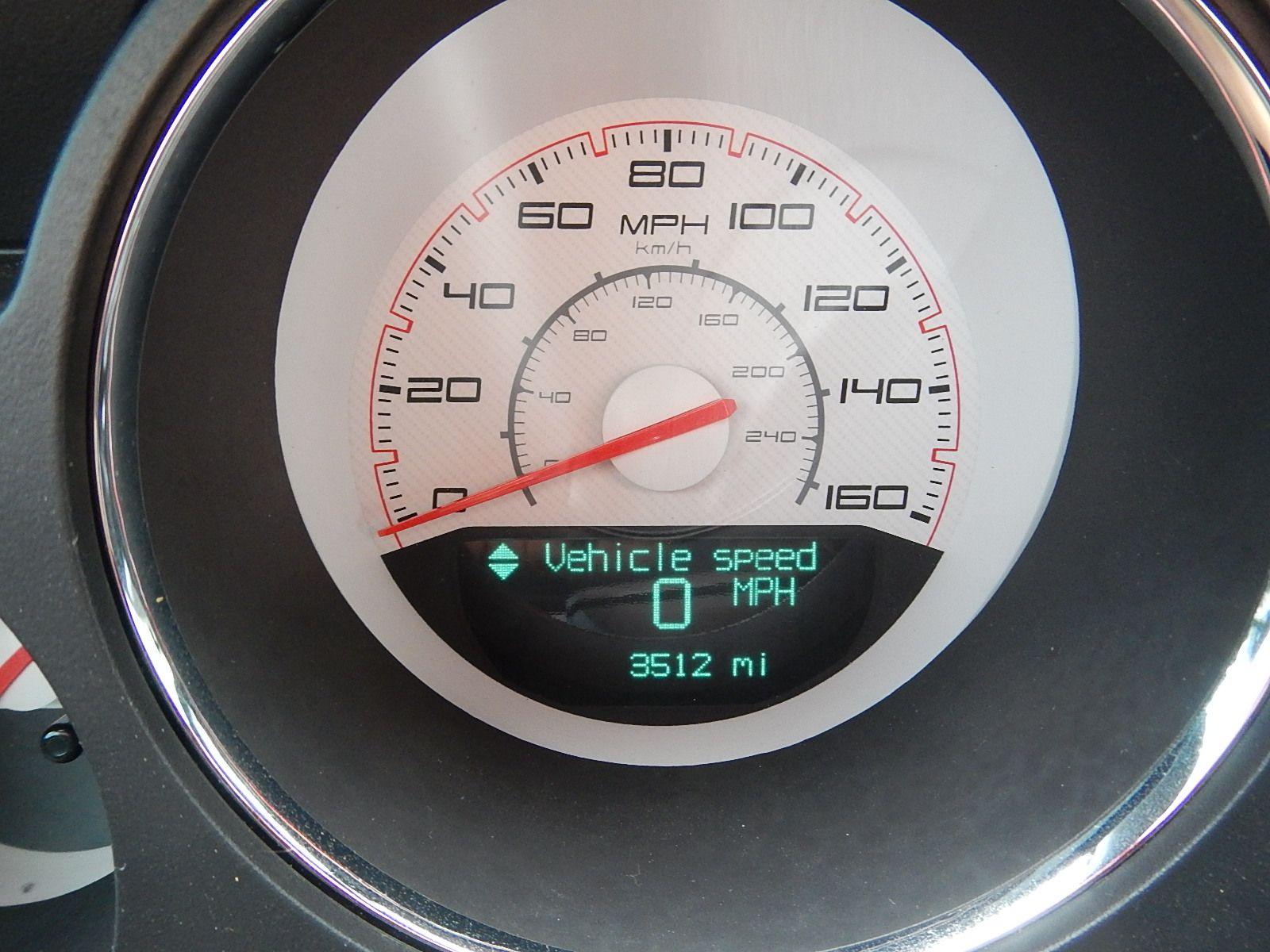 2013 Dodge Challenger 002.jpg