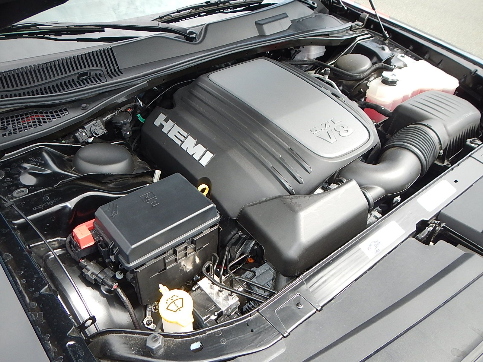 2013 Dodge Challenger 014.jpg