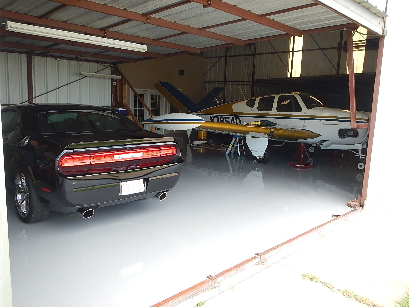 2013 Dodge Challenger 086.jpg