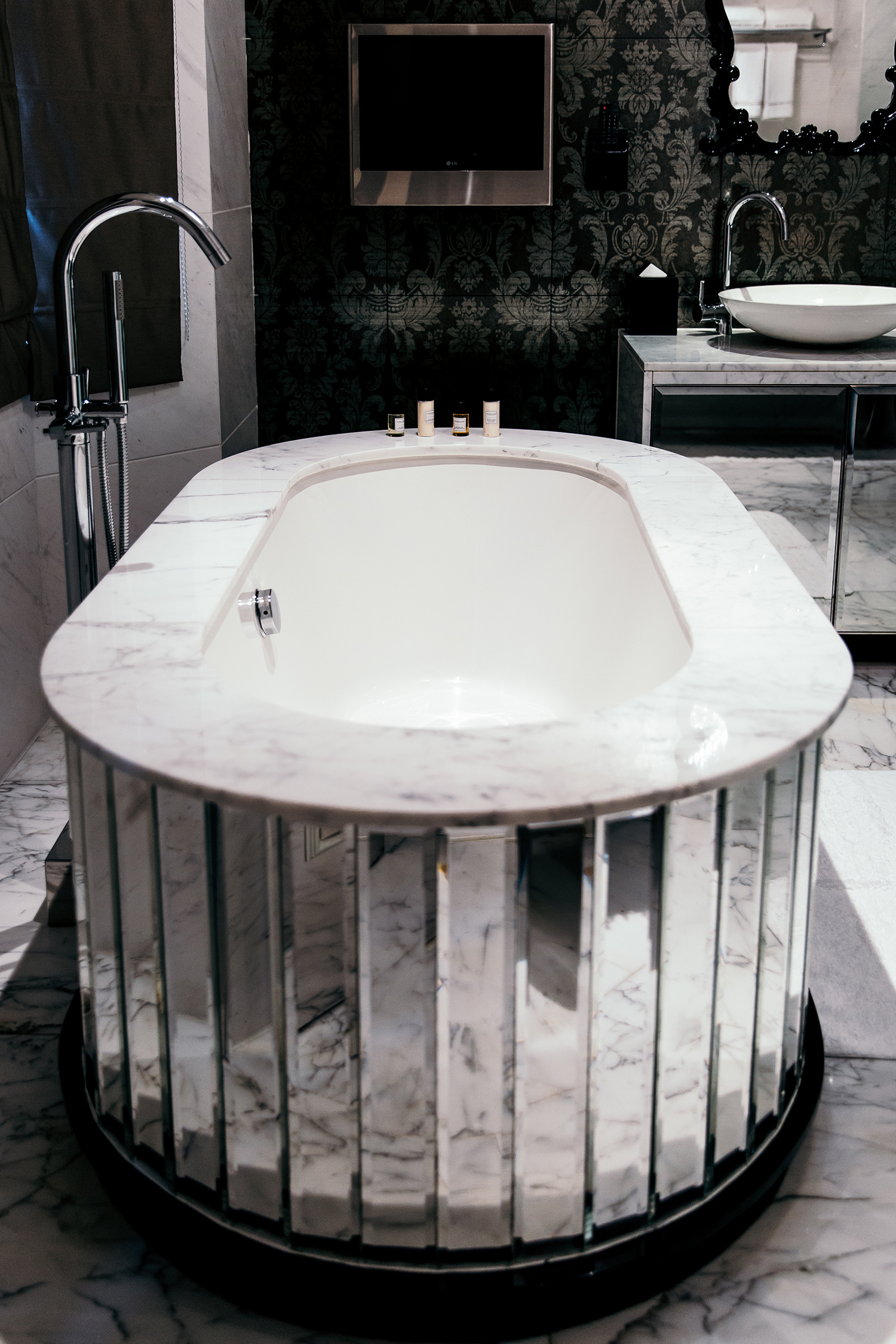 Royale Bathtub