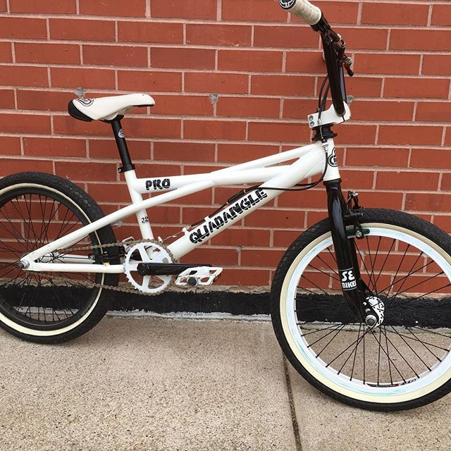 Another sweet BMX Freestyle bike for sale at Re-CYCLE Bike Shop!!! Stop in to see what New in the shop, NEW Giant bikes and a lot of used bikes in stock now! See ya soon!!!