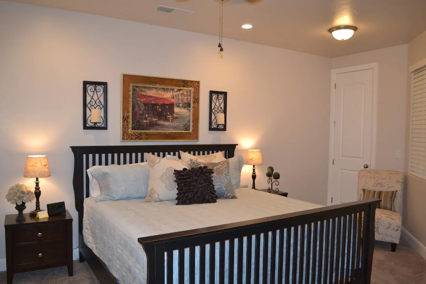 Coral Ridge Oasis    St. George - Here we Come! 2 pools & 2 spas 11 Guests with 4 bedrooms and 2.5 baths 8 Beds