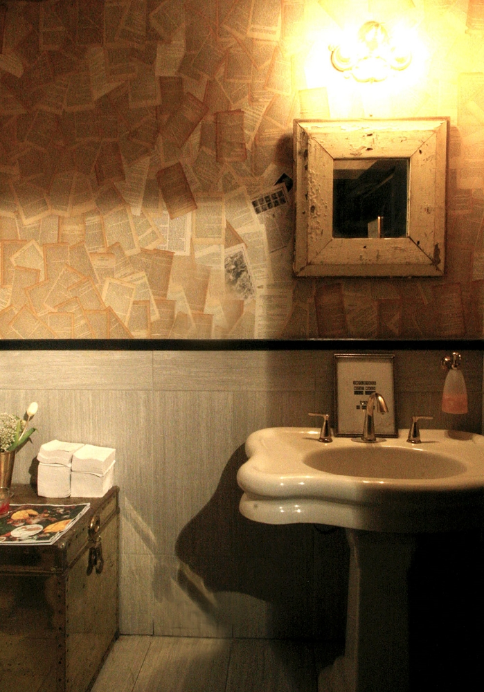 dullboy-bar-bathroom-EAU.jpg