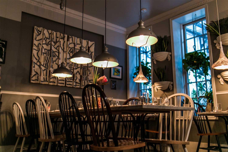 dinnertable-nyc-seating.jpg