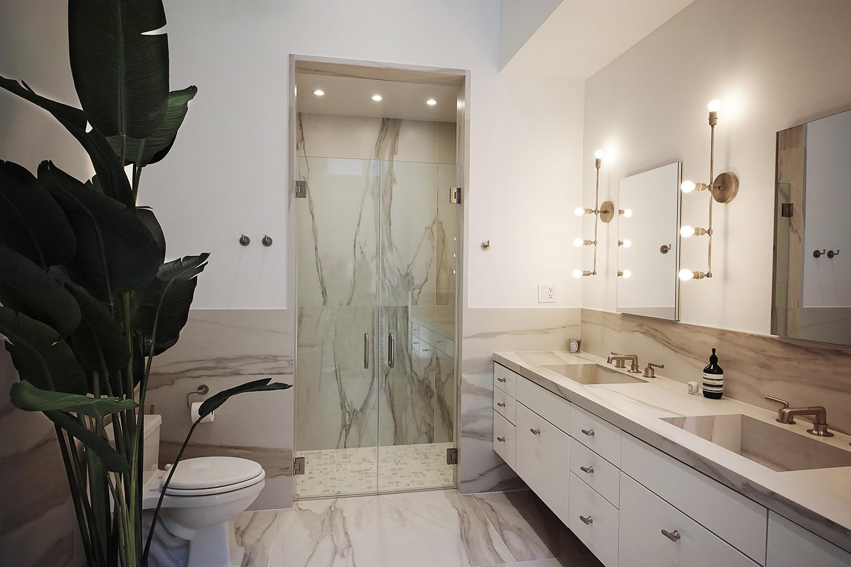 EAU-Tribeca-Loft-master-bathroom.jpg