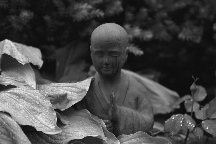 Meditating Buddhist Altar Sculpture