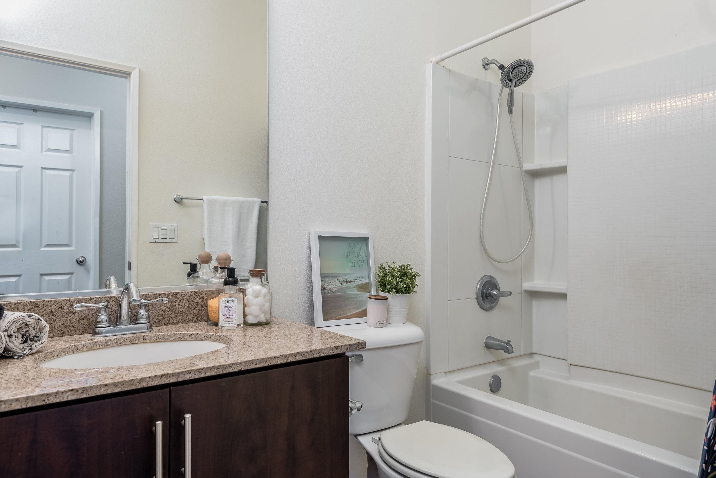 Copy of 014_14-Bathroom 2.jpg
