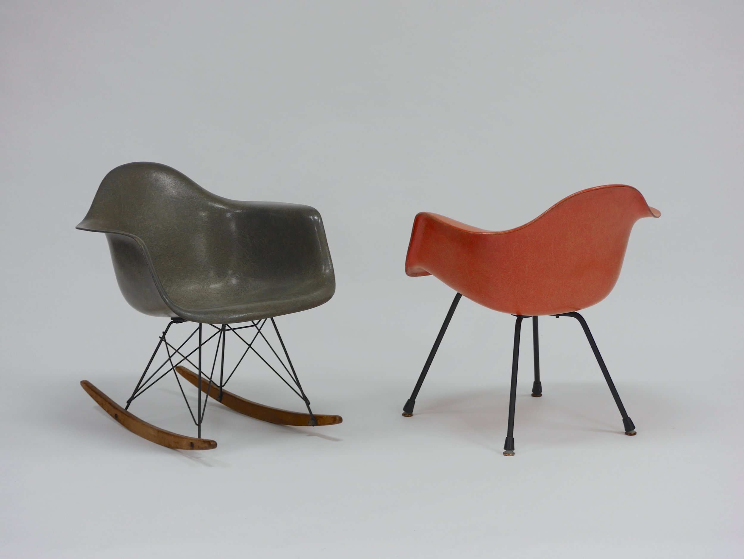 Iconic Rocker And Lounge Chair By Charles Eames For Zenith Plastics Continuum 20th Century Design