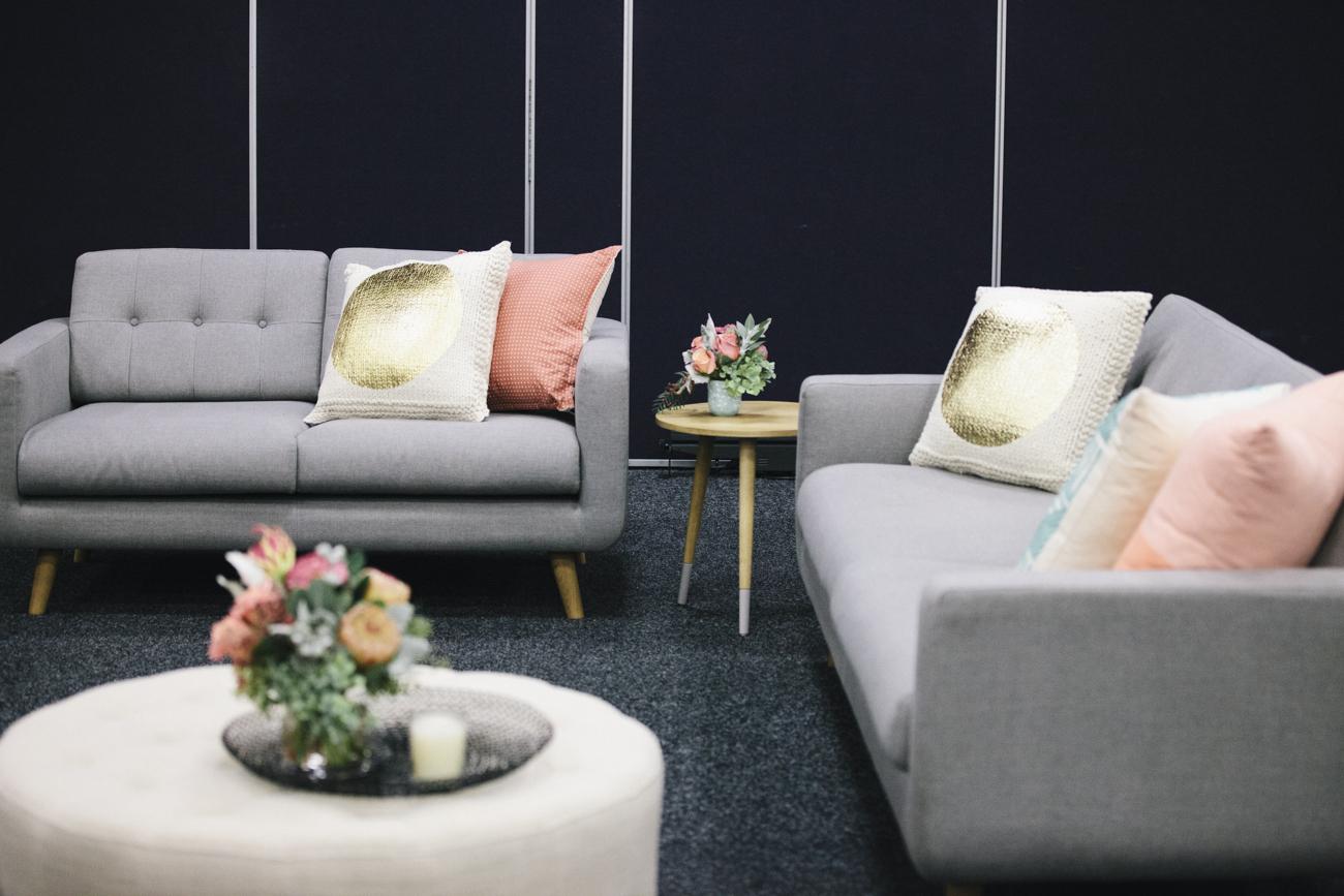 Grey sofa 09.jpg