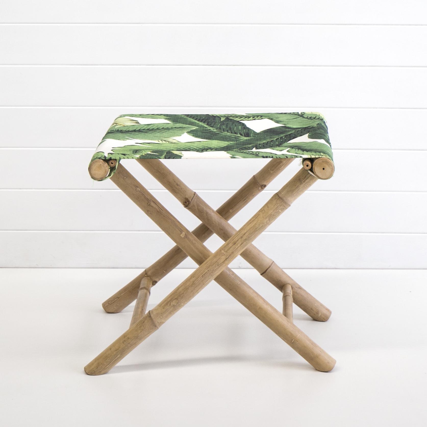 Bahamas sitting stool