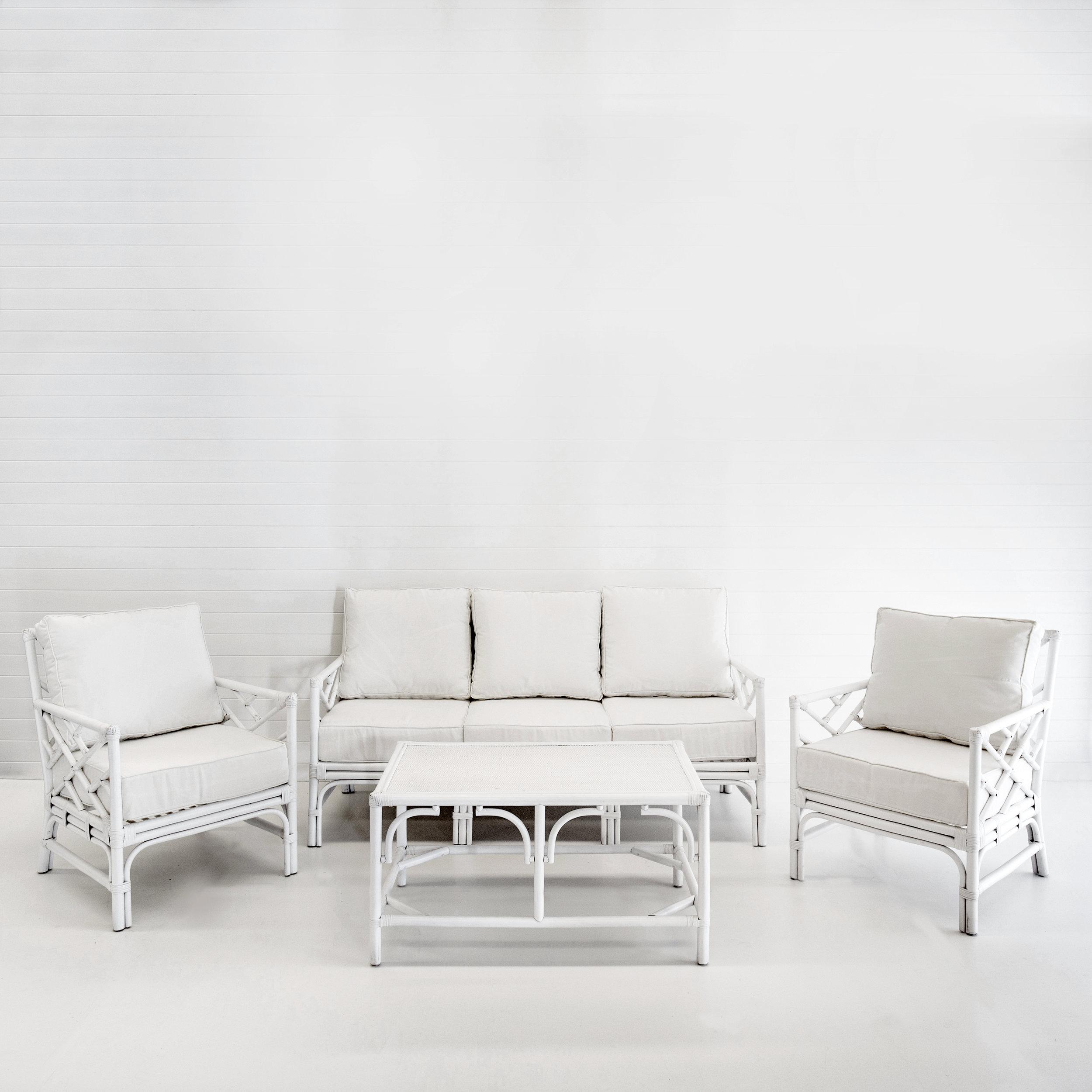 HAMPTONS WHITE SOFA PACKAGE WITH WHITE CUSHIONS