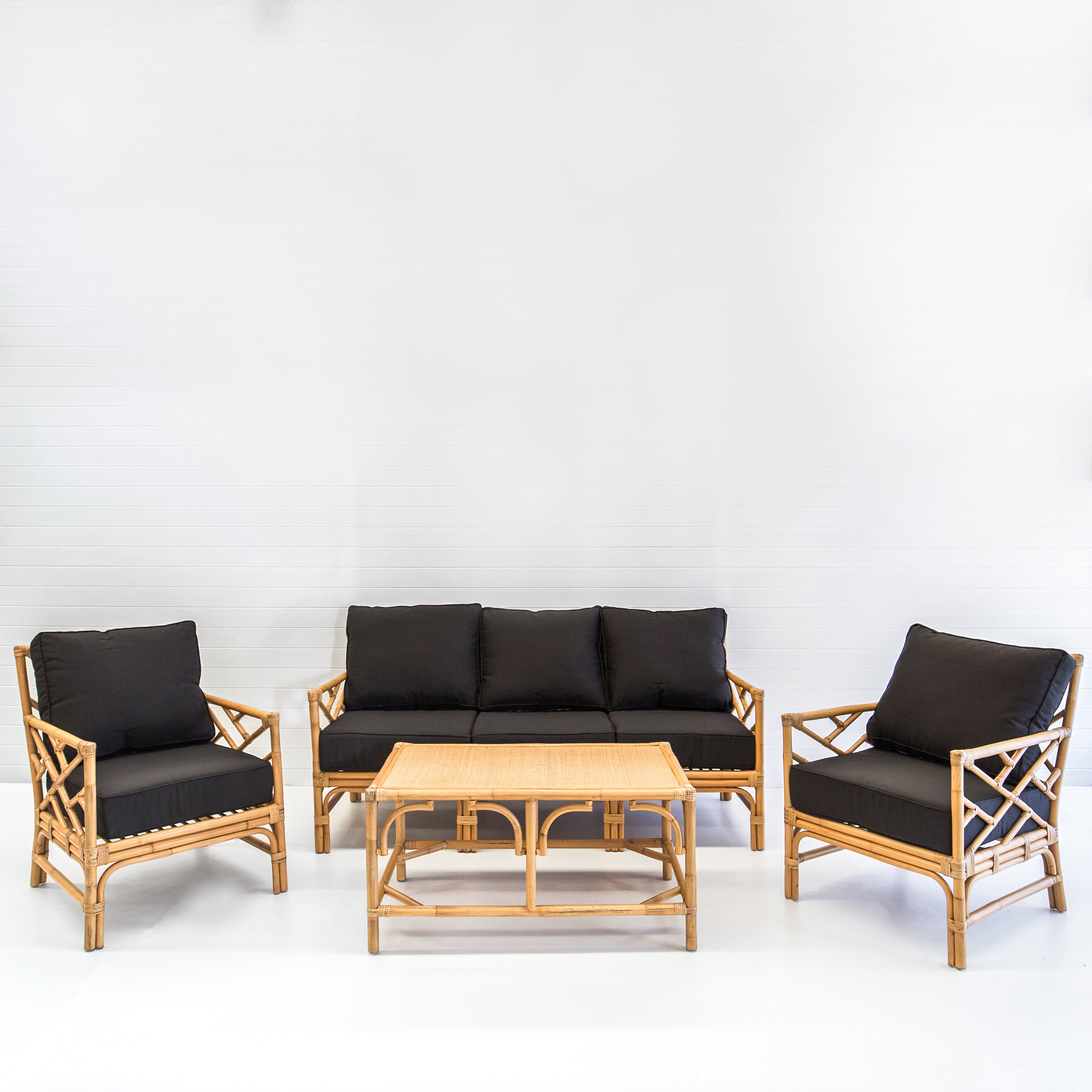 HAMPTONS NATURAL SOFA PACKAGE WITH BLACK CUSHIONS