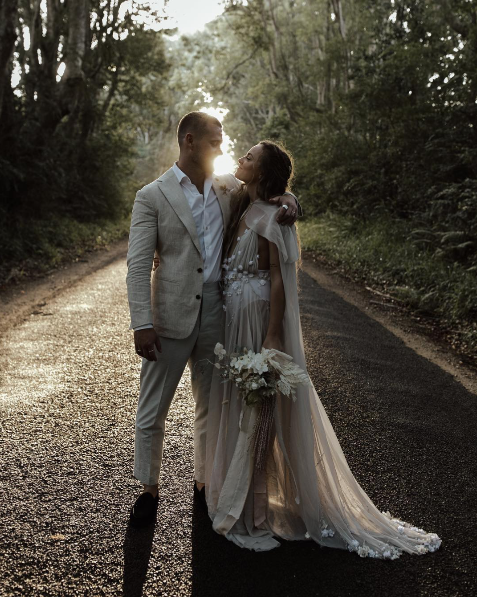 Clare Dann Byron Bay Wedding Friday Hut Road2.png