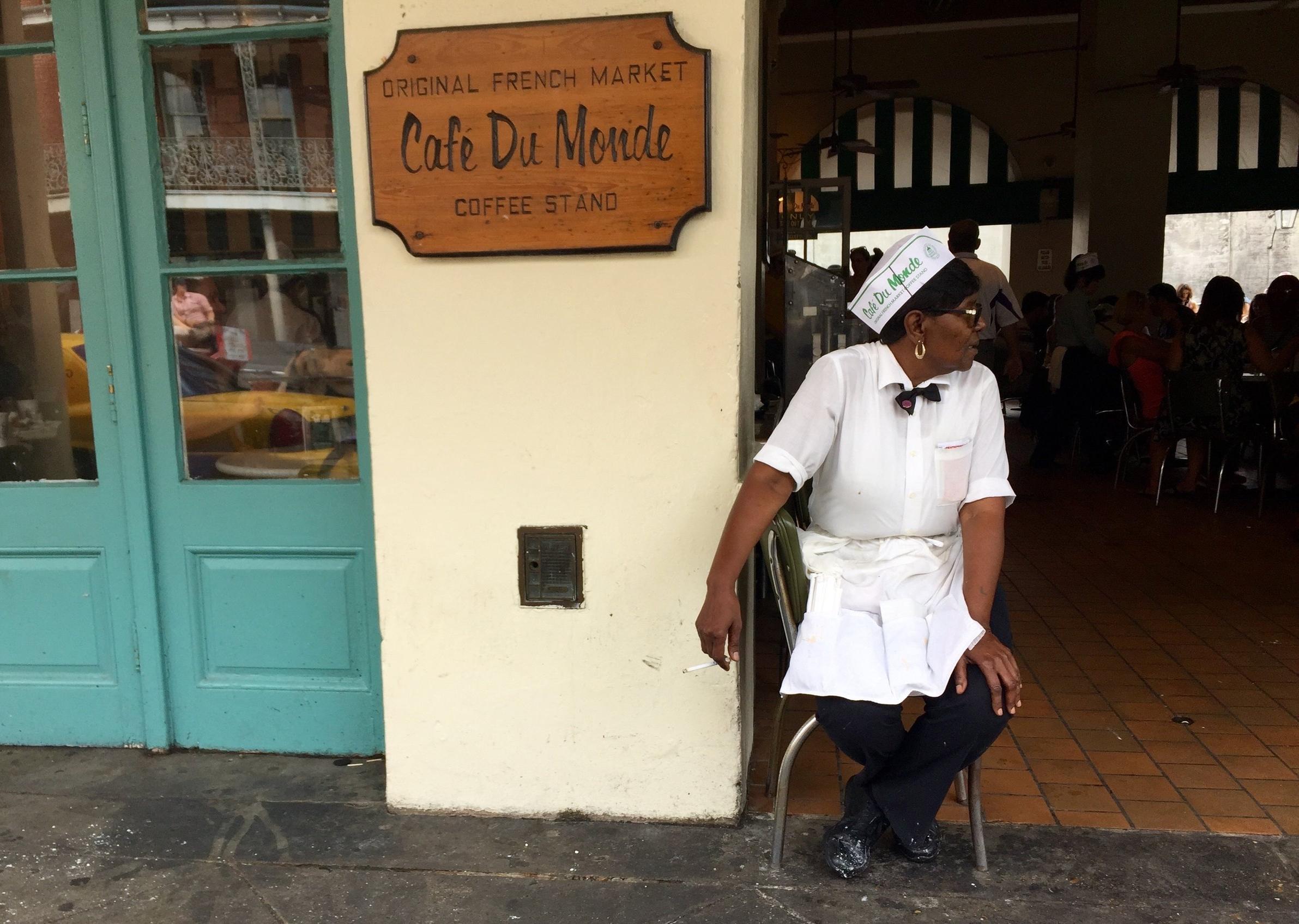 Cafe Du Monde Smoke Break