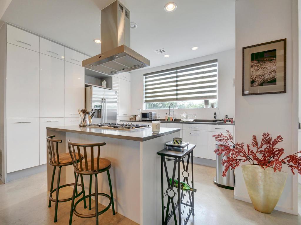 2301 S 5th St 22-MLS_Size-011-Kitchen and Breakfast 614-1024x768-72dpi.jpg