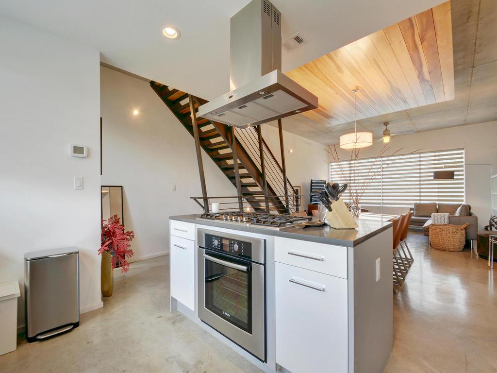 2301 S 5th St 22-MLS_Size-012-Kitchen and Breakfast 617-1024x768-72dpi.jpg