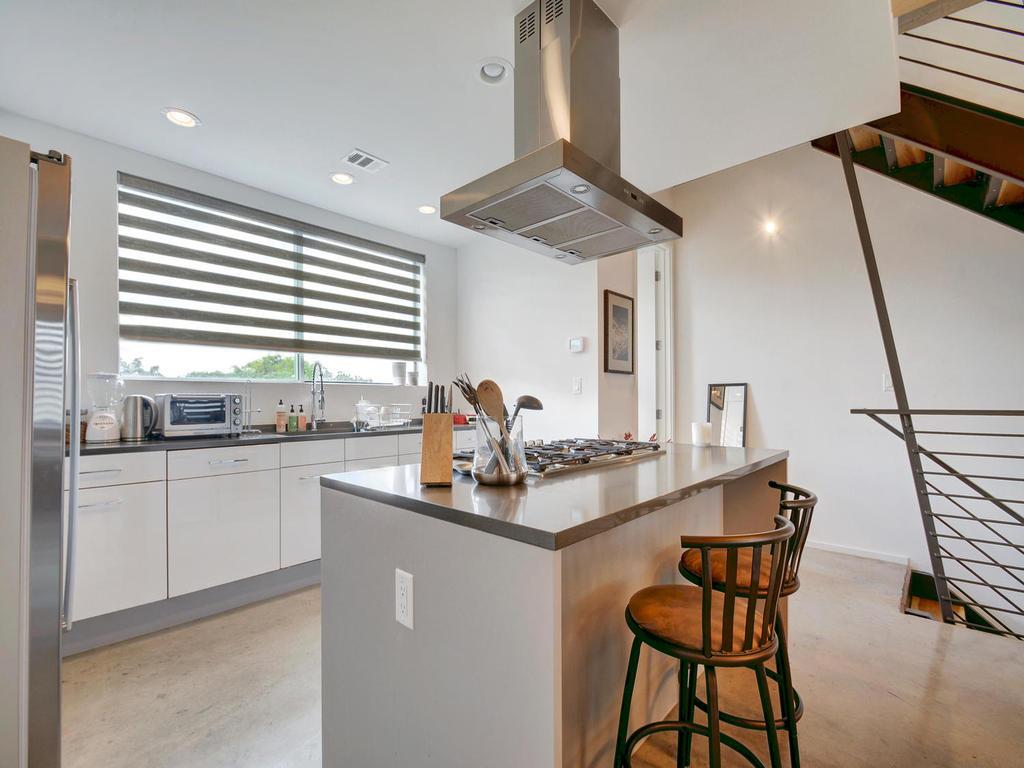 2301 S 5th St 22-MLS_Size-013-Kitchen and Breakfast 616-1024x768-72dpi.jpg