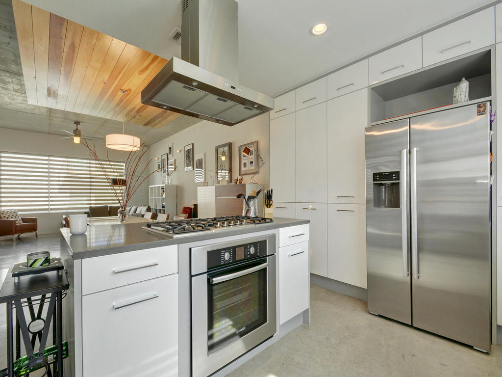 2301 S 5th St 22-MLS_Size-014-Kitchen and Breakfast 618-1024x768-72dpi.jpg