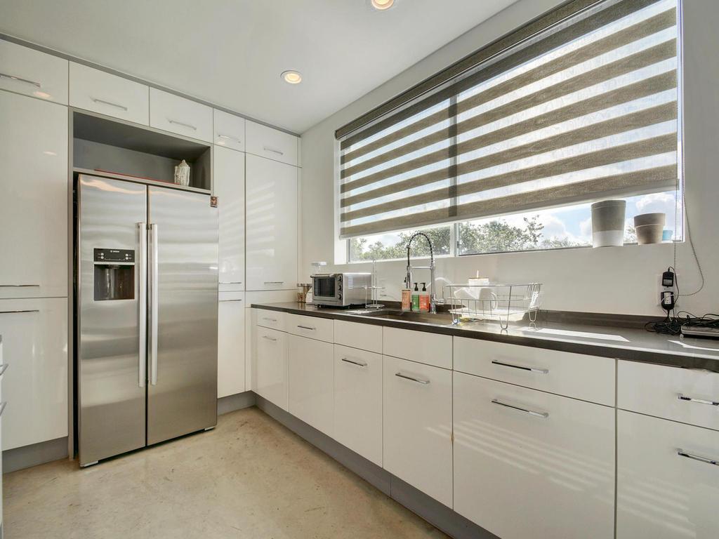 2301 S 5th St 22-MLS_Size-015-Kitchen and Breakfast 620-1024x768-72dpi.jpg