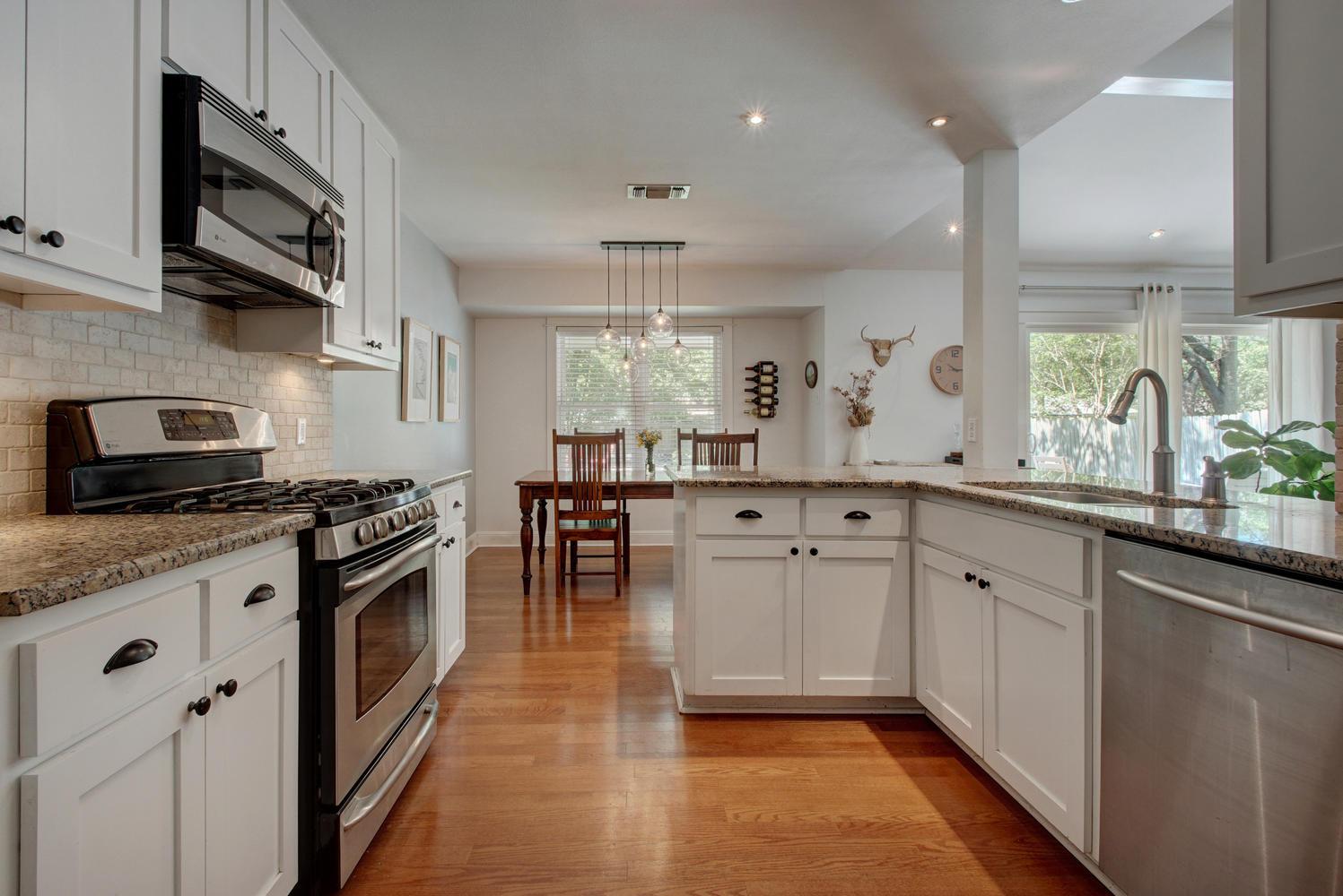 3201 Whitepine Dr-large-015-Family Kitchen Dining 462-1498x1000-72dpi.jpg