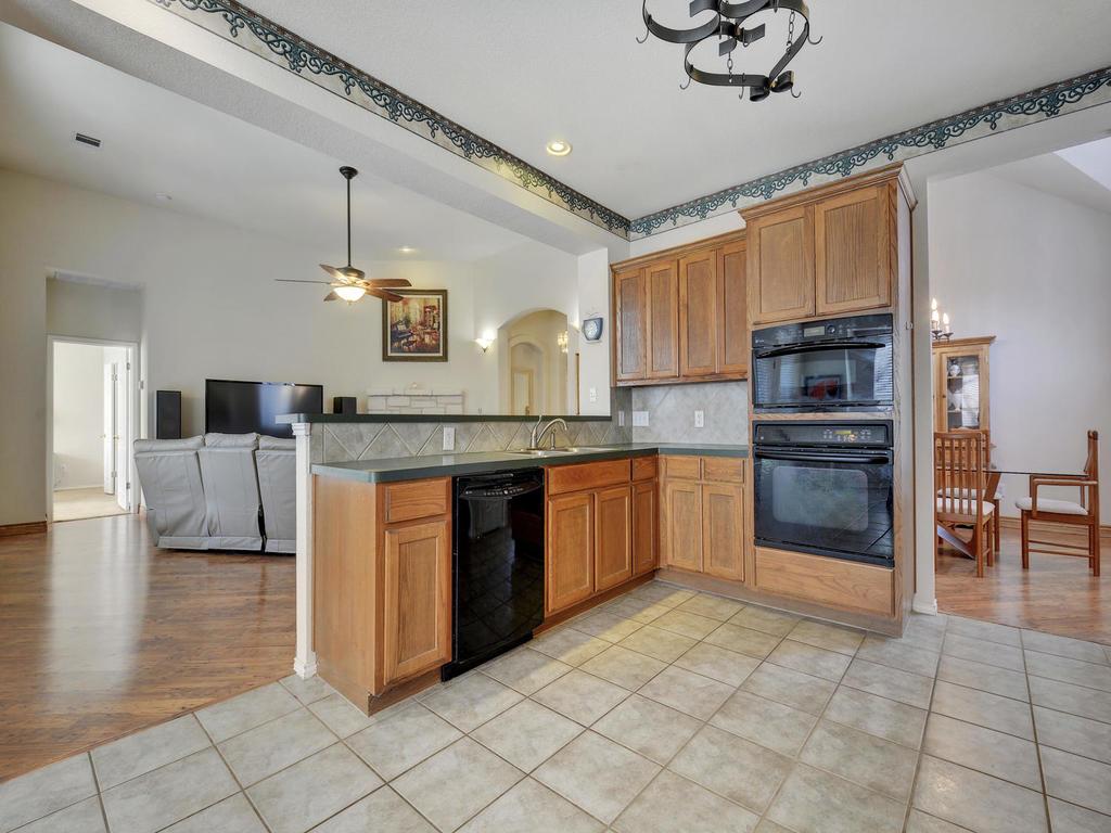 11621 Arbor Downs Rd-MLS_Size-012-9-Kitchen and Breakfast 080-1024x768-72dpi.jpg