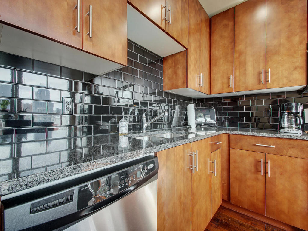 360 Nueces St-MLS_Size-010-15-Family Kitchen Dining 108-1024x768-72dpi.jpg