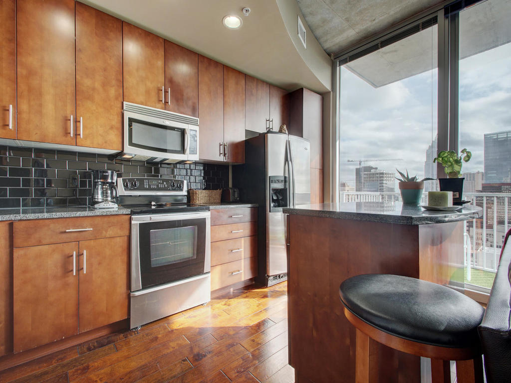 360 Nueces St-MLS_Size-011-12-Family Kitchen Dining 109-1024x768-72dpi.jpg