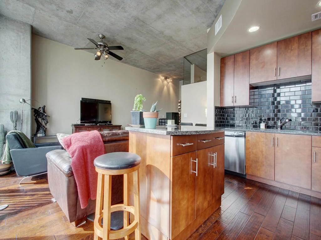 360 Nueces St-MLS_Size-014-10-Family Kitchen Dining 112-1024x768-72dpi.jpg