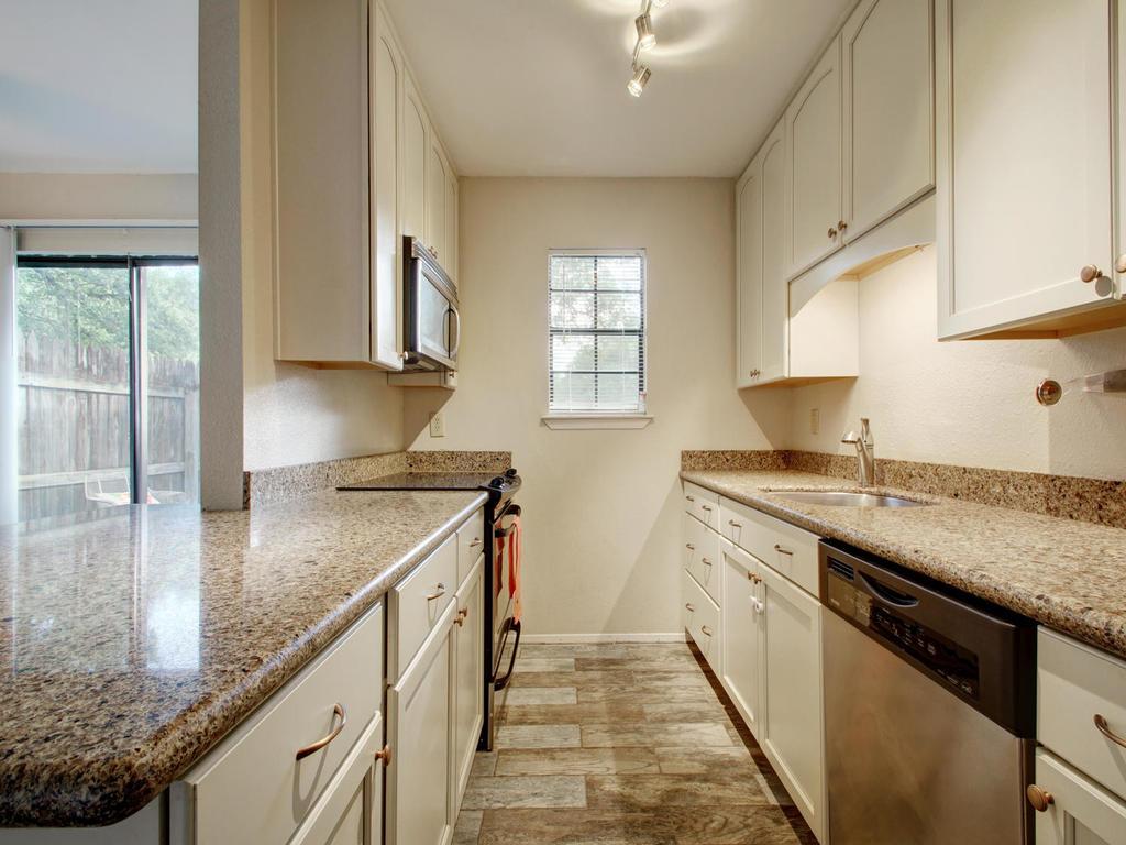 4159 Steck Ave Unit 181-MLS_Size-014-26-Family Kitchen Dining 916-1024x768-72dpi.jpg