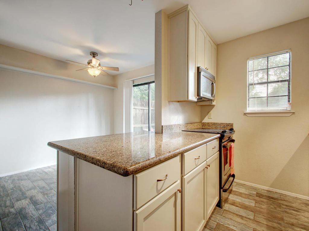 4159 Steck Ave Unit 181-MLS_Size-015-12-Family Kitchen Dining 917-1024x768-72dpi.jpg