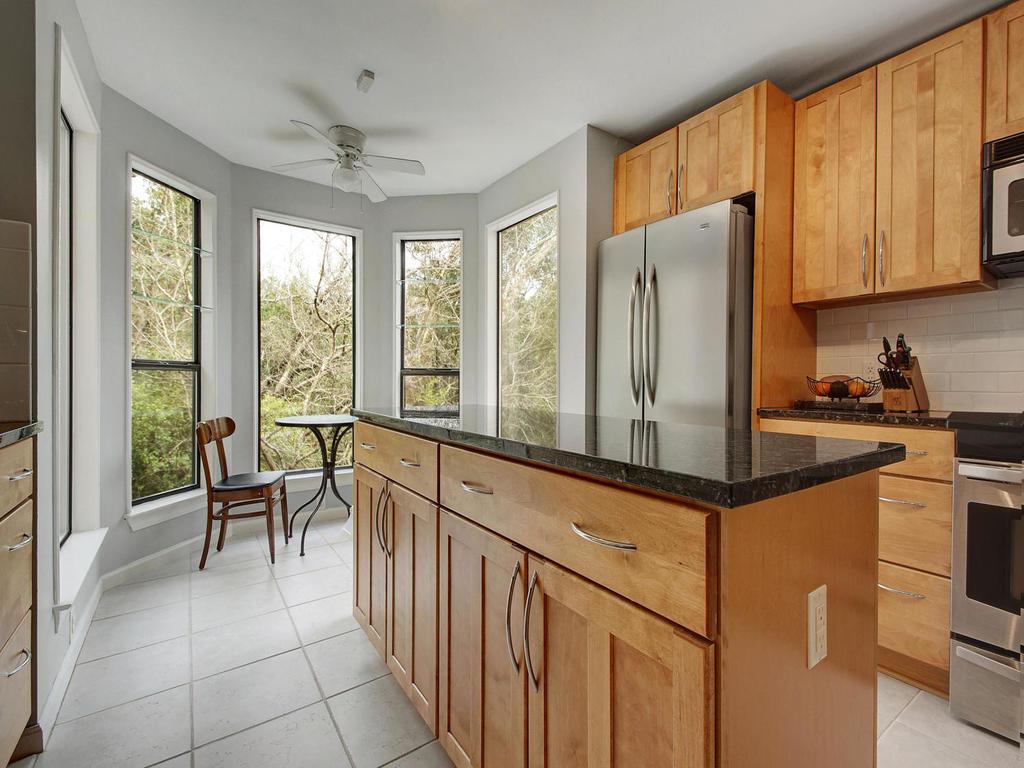 5101 Beverly Skyline-MLS_Size-013-13-Kitchen and Breakfast 068-1024x768-72dpi.jpg