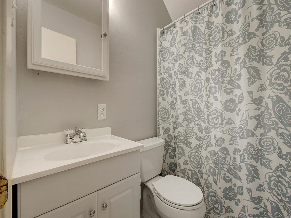 5101 Beverly Skyline-MLS_Size-023-23-Other Beds and Baths 296-1024x768-72dpi.jpg