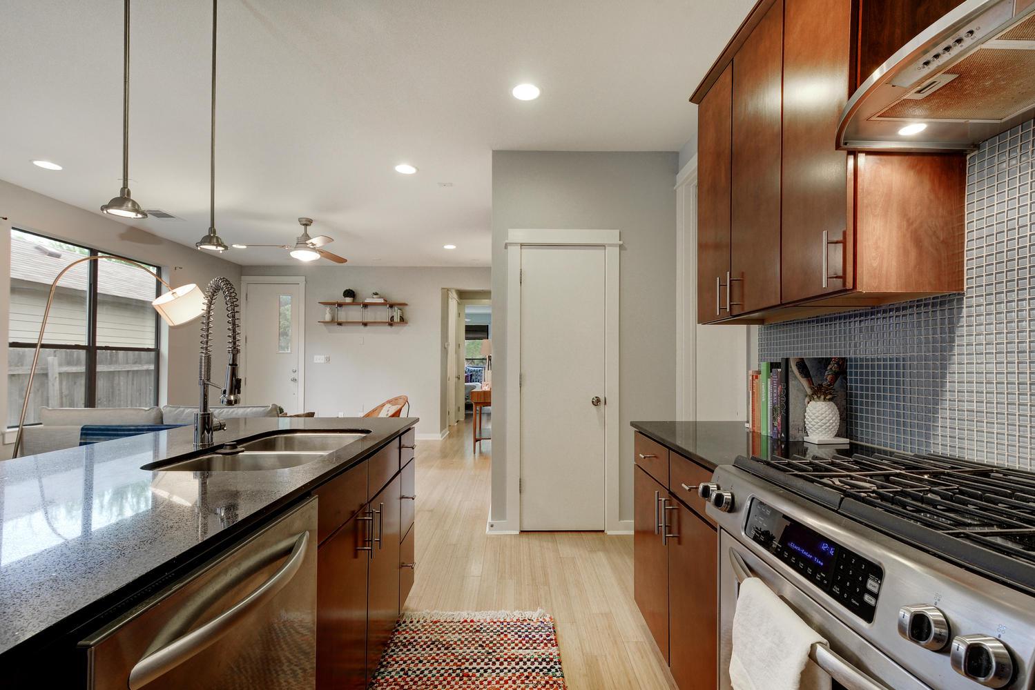 2909 Corbin Ln-large-011-22-Kitchen 004-1500x1000-72dpi.jpg