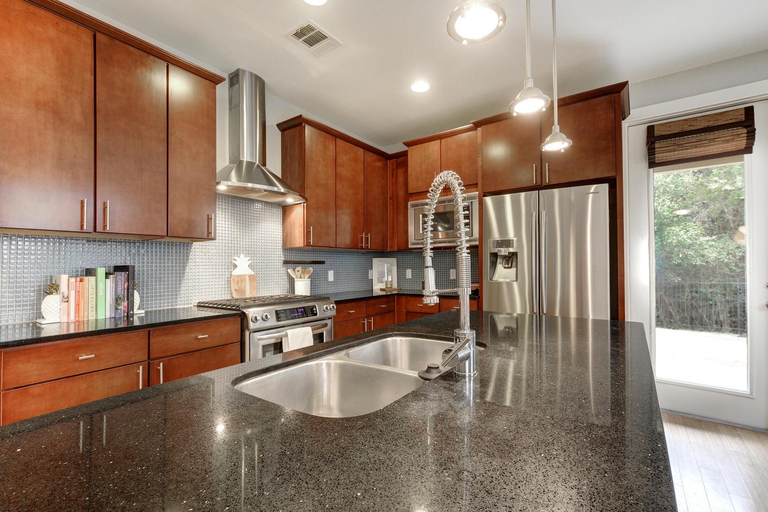 2909 Corbin Ln-large-012-21-Kitchen 005-1499x1000-72dpi.jpg