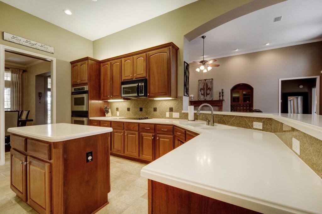 012-237794-Kitchen 002_5333391.jpg