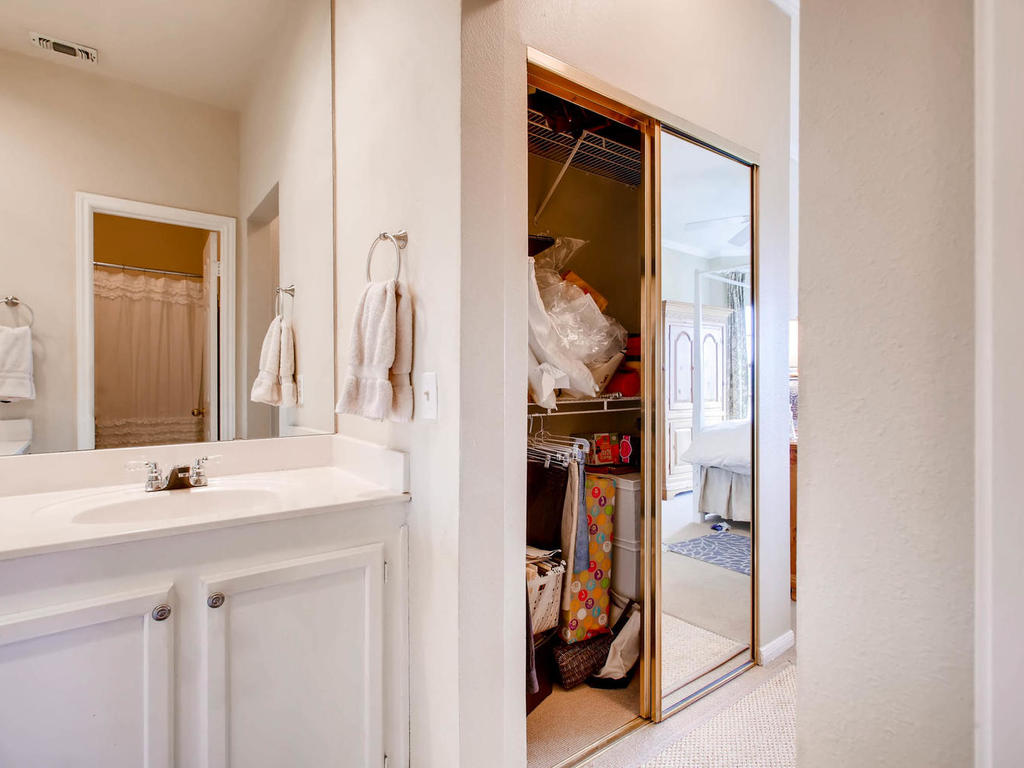1741 Spyglass Dr 2302 Austin-MLS_Size-015-14-Master Bathroom-1024x768-72dpi.jpg