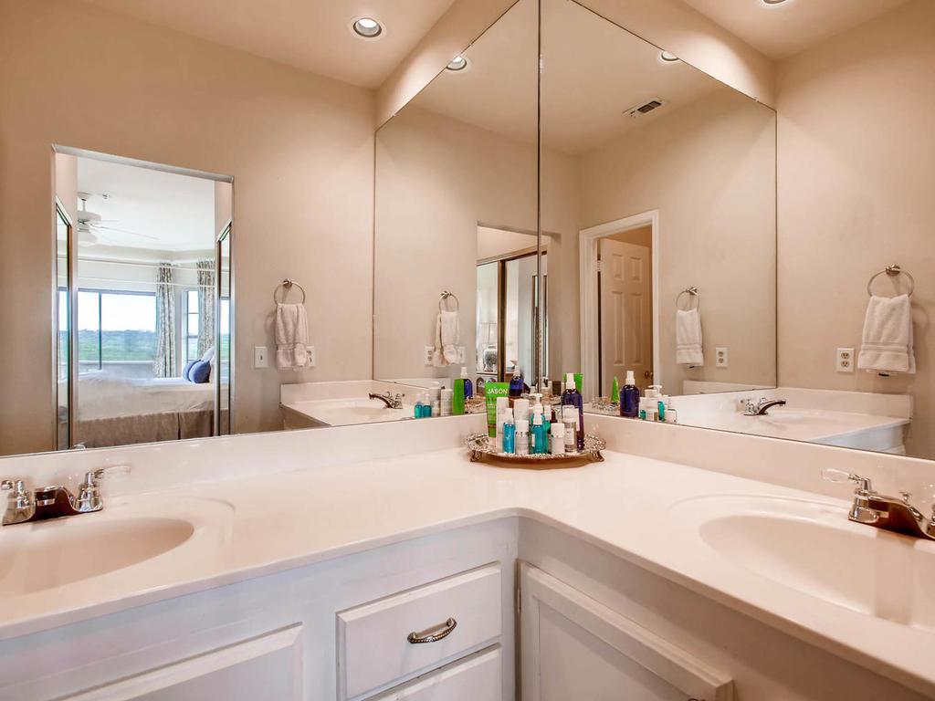 1741 Spyglass Dr 2302 Austin-MLS_Size-016-19-Master Bathroom-1024x768-72dpi.jpg