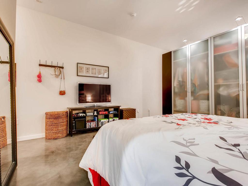 2124 E 6th 319 Austin TX 78702-MLS_Size-020-20-Master Bedroom-1024x768-72dpi.jpg