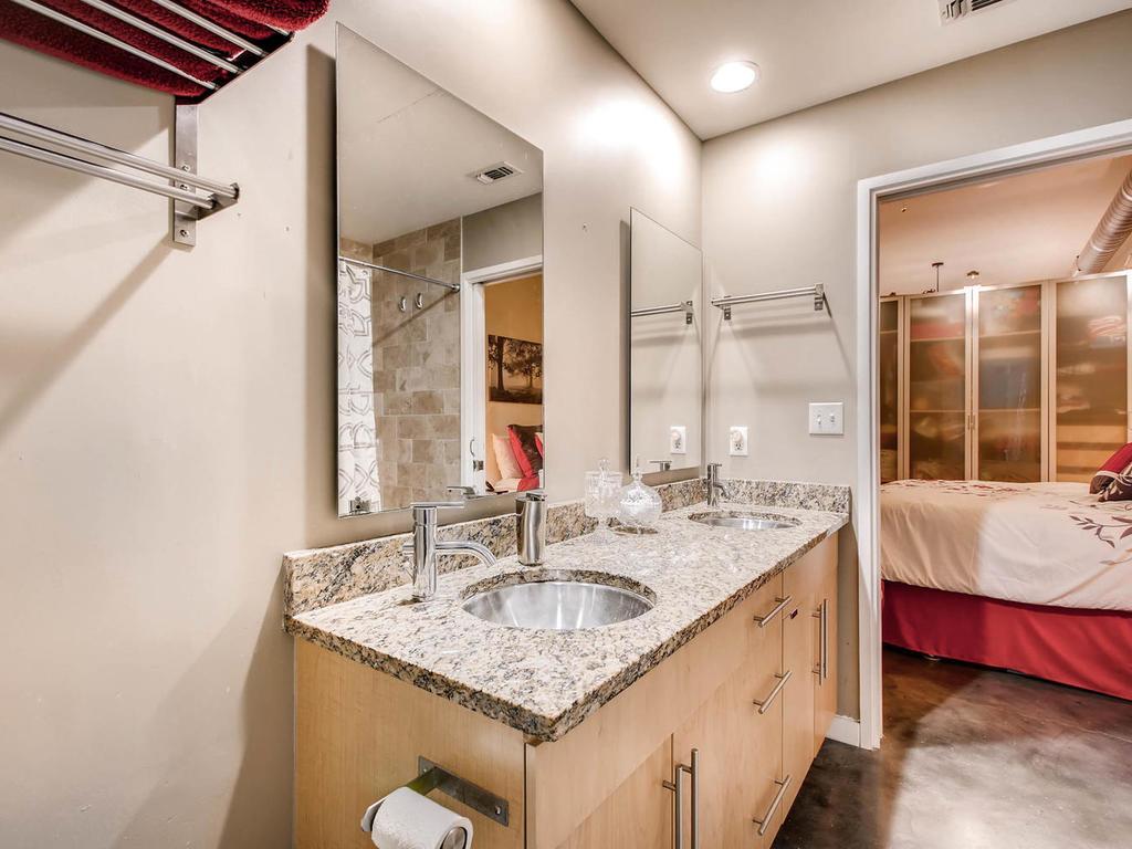 2124 E 6th 319 Austin TX 78702-MLS_Size-023-25-Master Bathroom-1024x768-72dpi.jpg