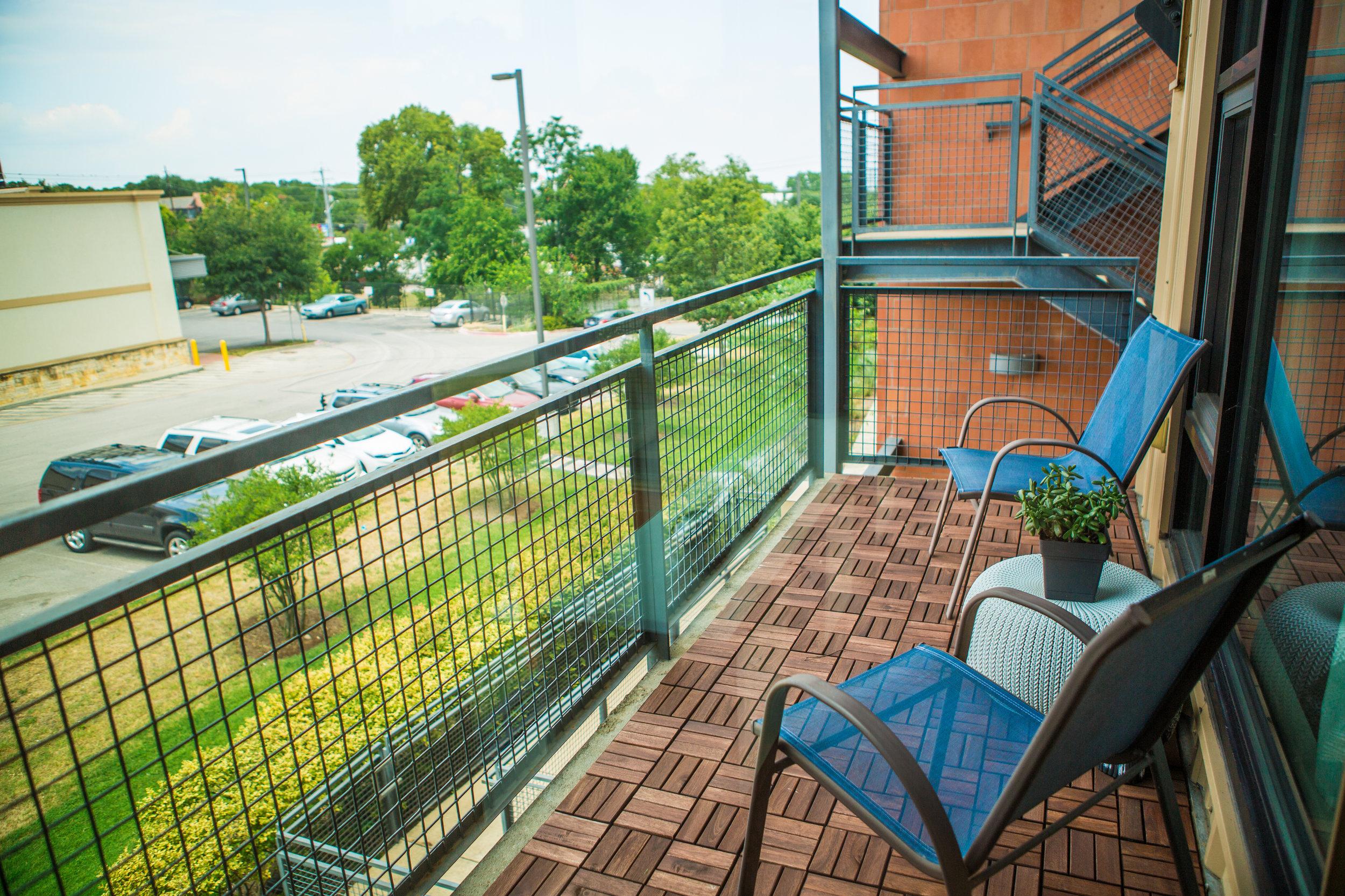2525SLamar-WEB_40 - balcony.jpg