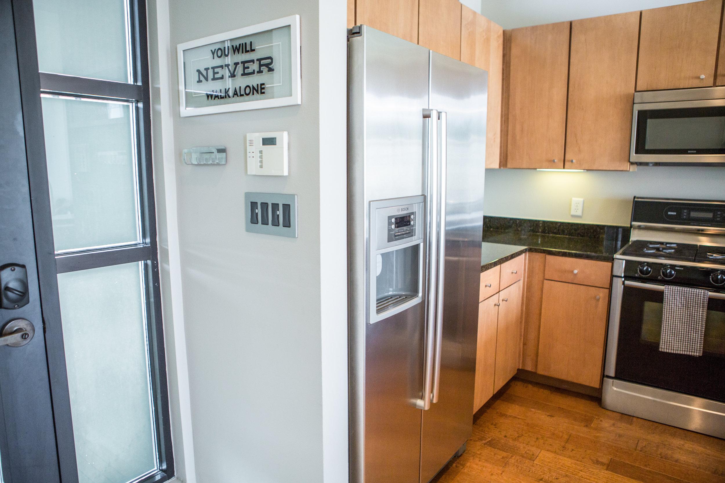 2525SLamar-WEB_53 - kitchen front door.jpg