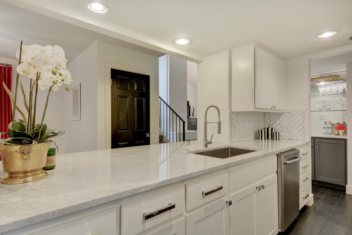 kitchen-to-wet-bar.jpg