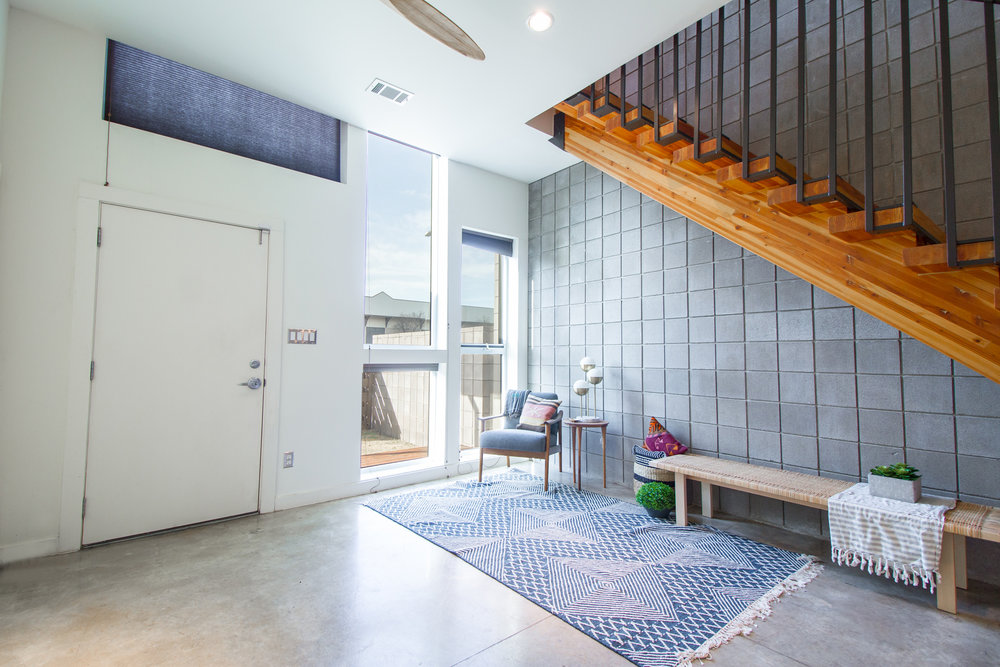 <strong>WEST 55TH </strong><p>UNDER CONTRACT »</p>