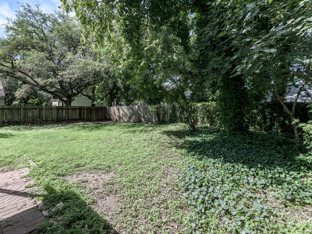 7912 Finch Trail Austin TX-043-40-Finch-MLS_Size.jpg
