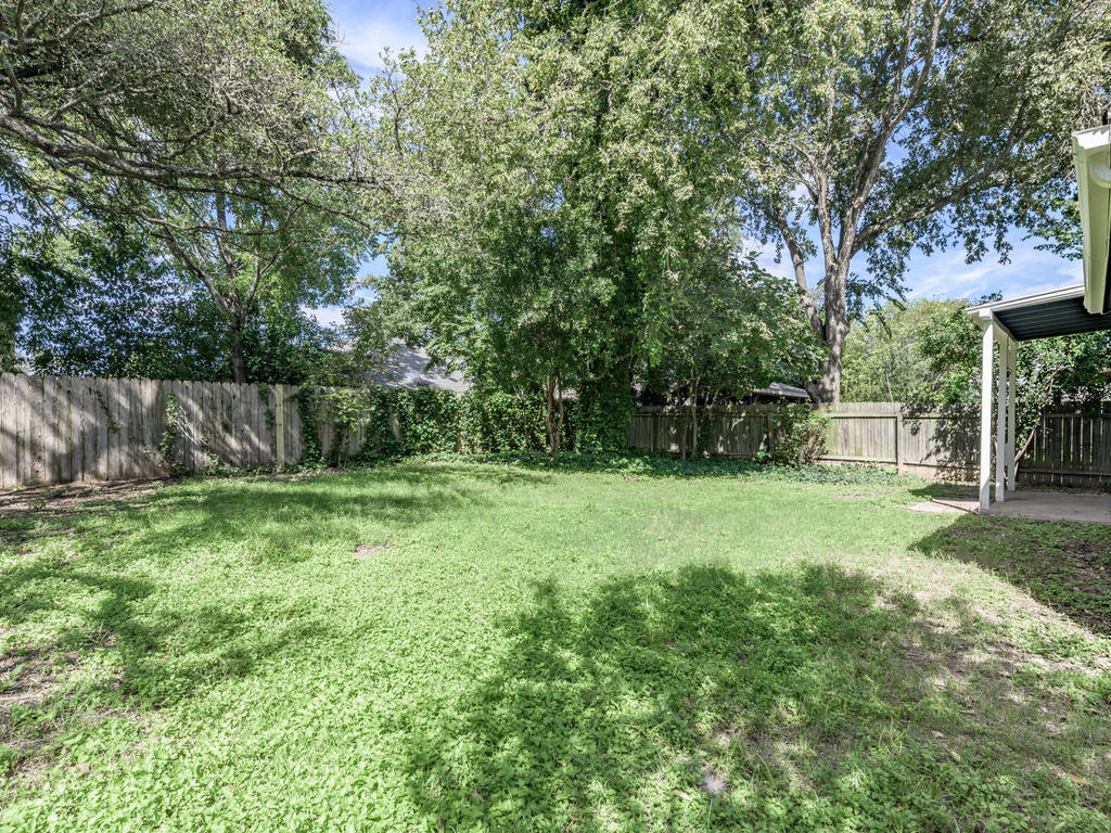 7912 Finch Trail Austin TX-046-43-Finch-MLS_Size.jpg